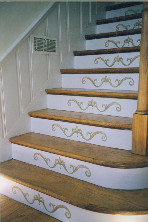 Ideas para la decoraci n de escaleras interiores for Decoracion economica de interiores