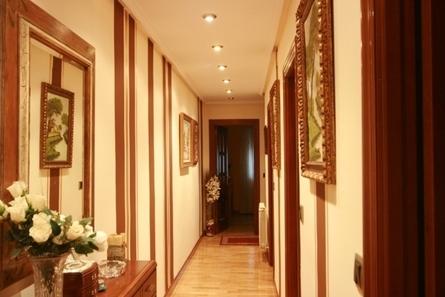 Decoraci n de pasillos de entrada for Decoracion de pasillos