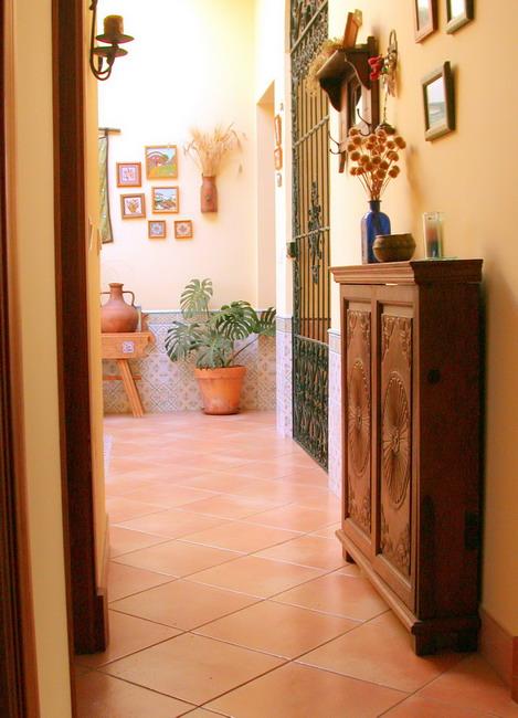 Consejos pr cticos e ideas para decorar el pasillo for Decoracion de pasillos largos