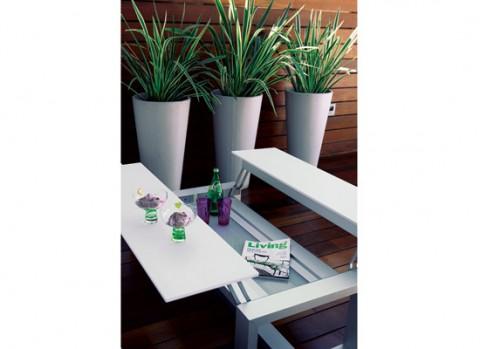 Un jardín interior minimalista-04