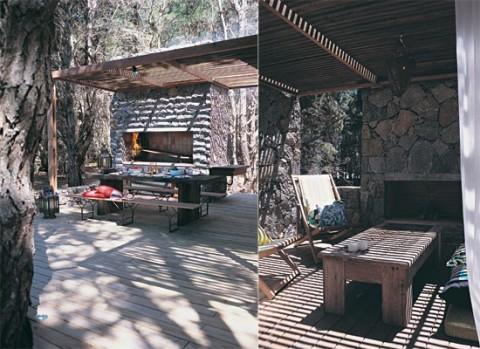 Mesas y livings al aire libre for Asadores de piedra para jardin