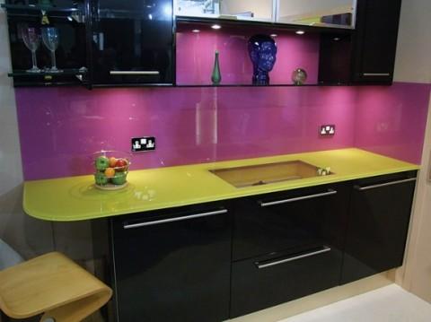 Cocinas modernas en color violeta y púrpura-10