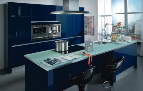 Delicadas cocinas en tono azul-16
