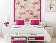imagen Una habitación rosa y blanca
