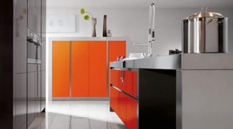 Modernas y sofisticadas cocinas en color naranja-06