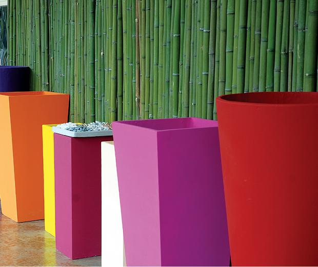 Objetos y muebles decorativos para tu jard n 07 gu a for Objetos decorativos para oficina