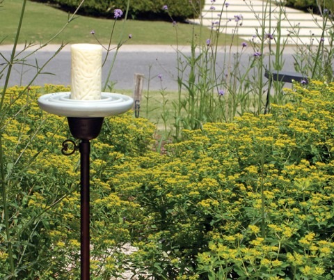 Objetos y muebles decorativos para tu jardín-06