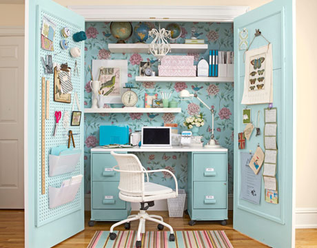 Un closet transformado en oficina2