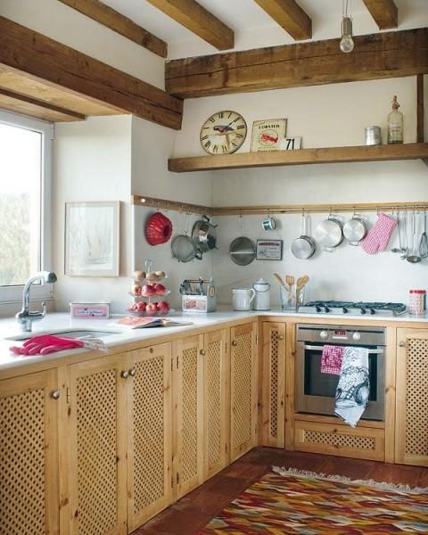 Una casa rural de estilo rústico y muy colorida-04