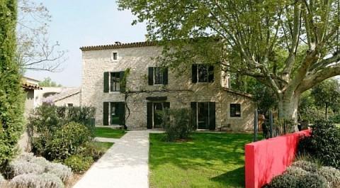 Una residencia de campo en francia a puro dise o - Casas rurales en la provenza ...