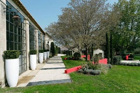 Una residencia de campo en Francia a puro diseño0