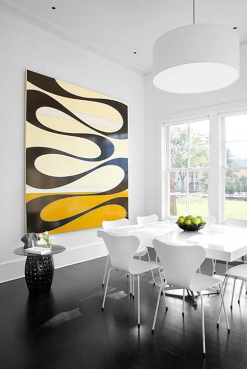 una residencia renovada con interiores modernos-05
