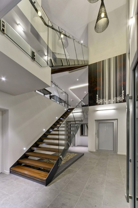 Escaleras on pinterest stairs staircases and floating for Cama lujosa