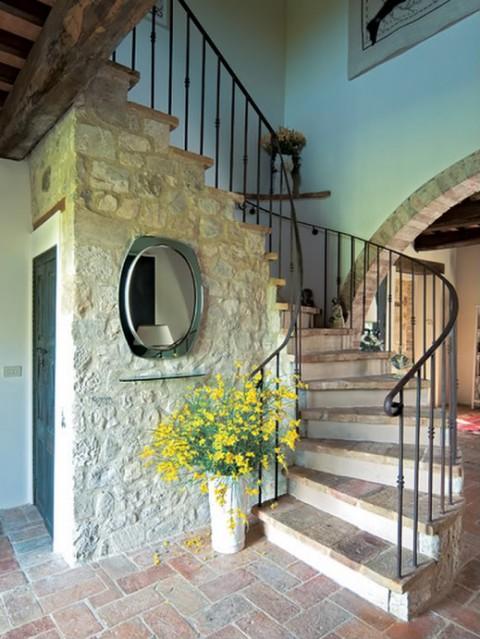 El estilo rústico en una residencia italiana-04