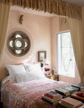 Rojo, rosado y lila en las habitaciones-16