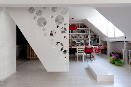 la escalera como centro de la decoracion foto