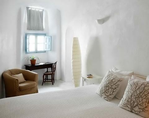 Una casa con estilo griego - Dormitorios con encanto decoracion ...