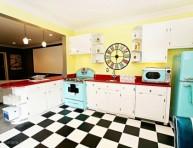 imagen Colorida cocina de estilo retro