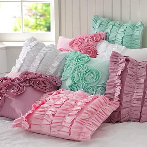 Cojines para la habitaci n - Decorar cama con cojines ...