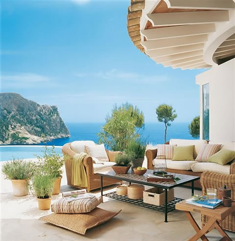 Con vistas mar timas al exterior for Decoracion exterior de casas