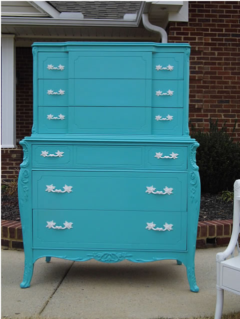 Restauraci n de un mueble en color turquesa - Como lacar un mueble de madera en blanco ...