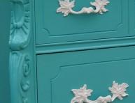 imagen Restauración de un mueble en color turquesa