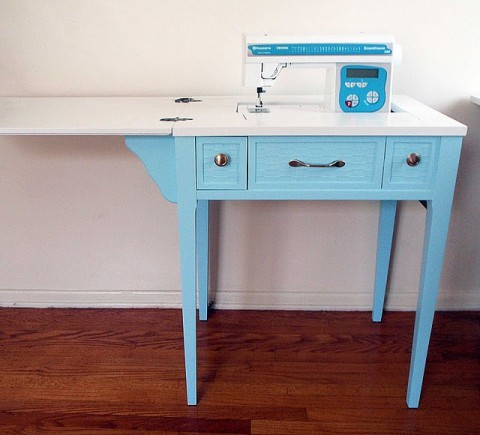 Maquina de coser buscar mesas para coser for Mesa para maquina de coser