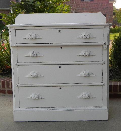 Muebles pintados blanco envejecido mueble pintado con - Pintar muebles lacados en blanco ...
