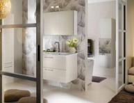 imagen Tres cuartos de baño muy diferentes