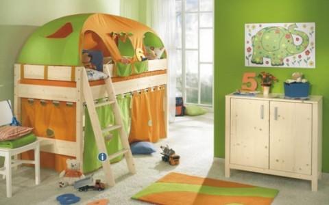 Habitación para niños con estilo navideño