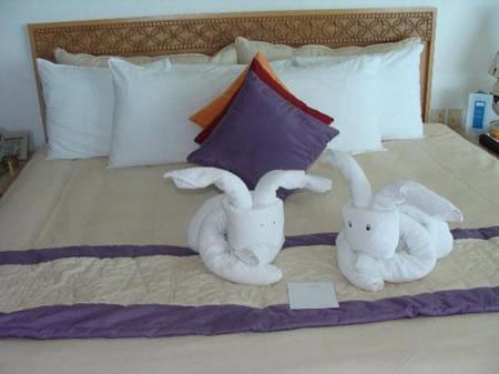 C mo doblar las toallas de ba o al estilo origami for Adornos con toallas
