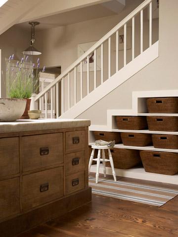 Ideas simples para espacios reducidos - Salones con escaleras ...