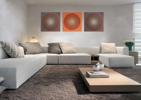 Distribuye bien tus cuadros en la pared for Decoracion de paredes con cuadros grandes
