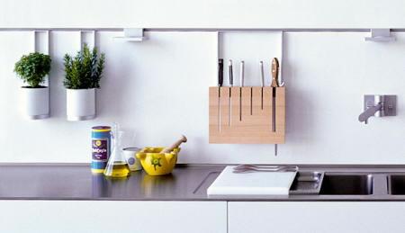 Mant n tu cocina en orden - Colgar muebles de cocina ...