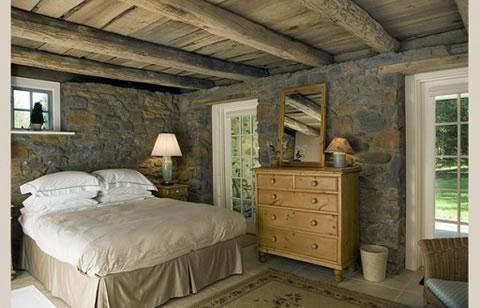 Ideas para decorar tu dormitorio con piedra for Piedra para decorar paredes interiores