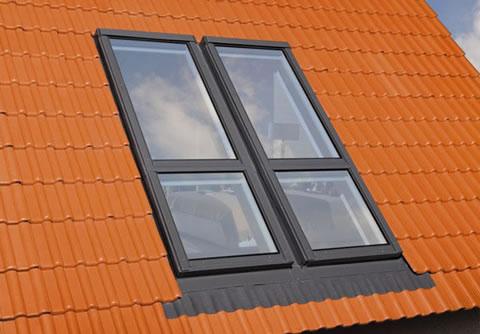 Ventanas balcon de Fakro para espacios reducidos 2