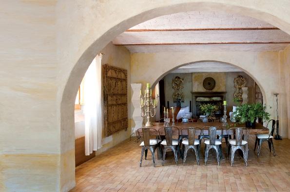 Restauraci n de una casa en la toscana for Casas y sus interiores