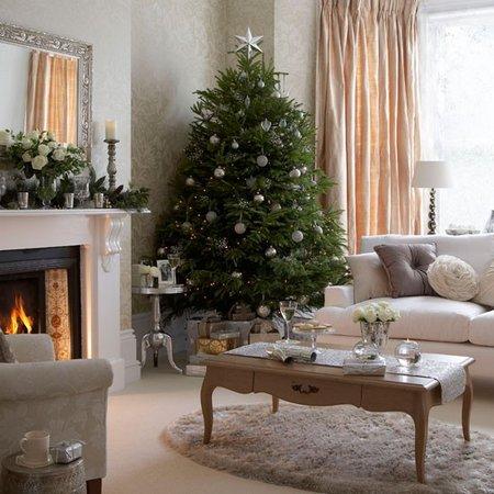 diez salones decorados para navidad 4 - Imagenes De Salones Decorados