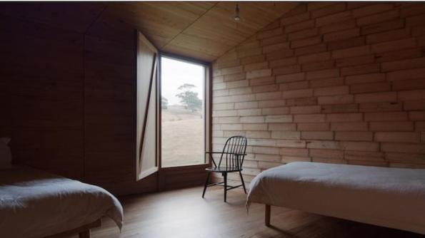 Una cabaña con decoración atractiva 7