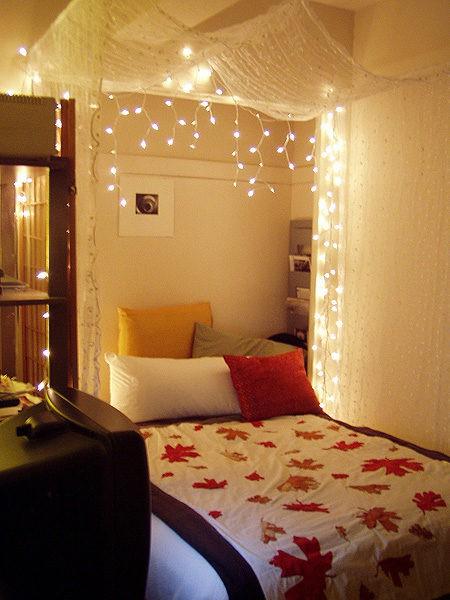 Luces de navidad en la habitación 14