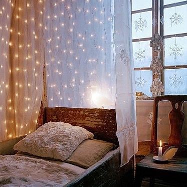 Luces de navidad en la habitación 9