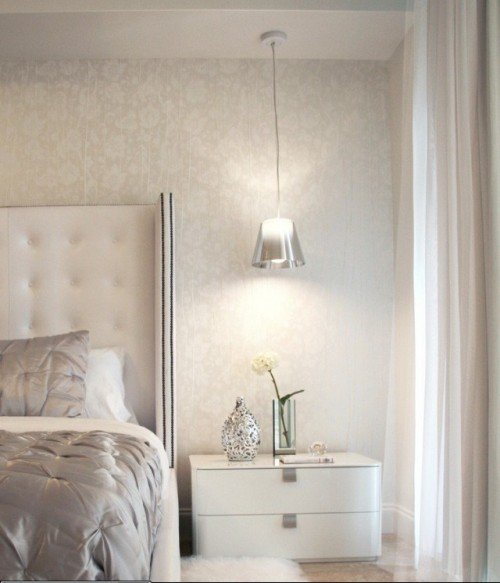 L mparas colgantes para el dormitorio for Mesillas de habitacion