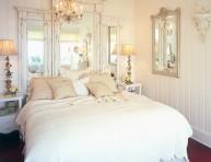 imagen Decora el cabecero de tu cama con espejos