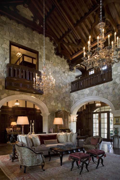 Soggiorno Rustico In Legno E Con Camino In Pietra Interior Design : Inspiración medieval para tu casa