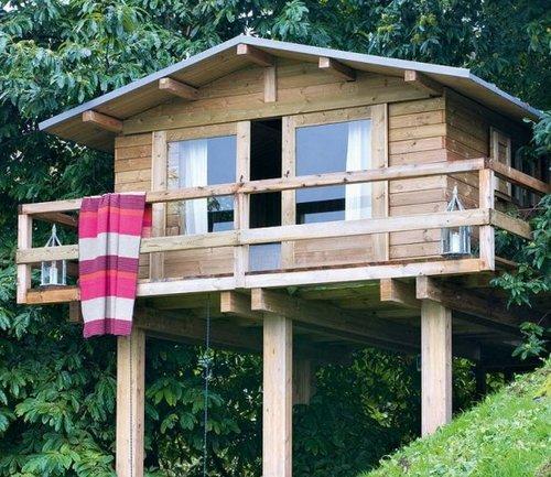 Mini casa r stica junto al bosque - Jardines de casas rusticas ...
