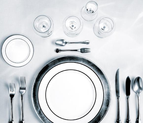 Protocolo en la mesa for Como colocar los cubiertos en la mesa