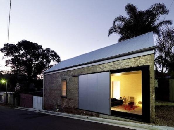Puertas correderas de exterior for Loft modernos exterior