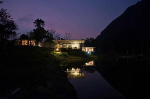 Casa a orillas del lago 9