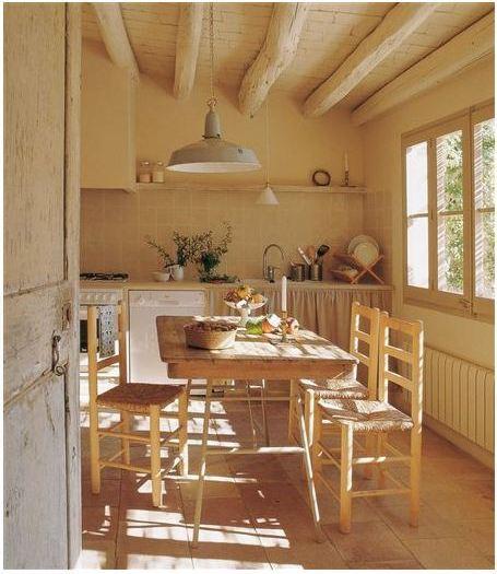 Una casa con vigas de madera - Restaurar vigas de madera ...