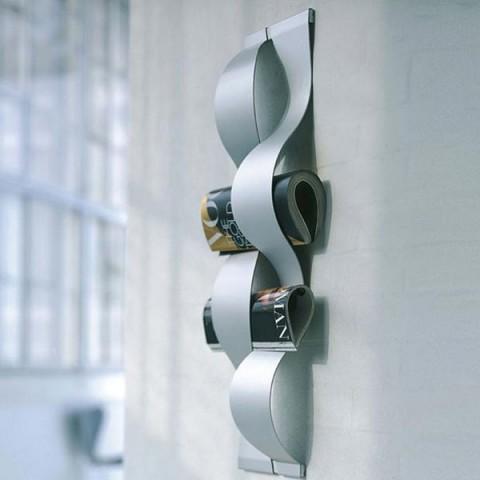 Revisteros de pared para la oficina en casa for Adornos pared metal
